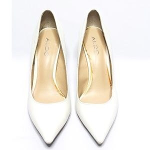 White Pumps w Silver Heel